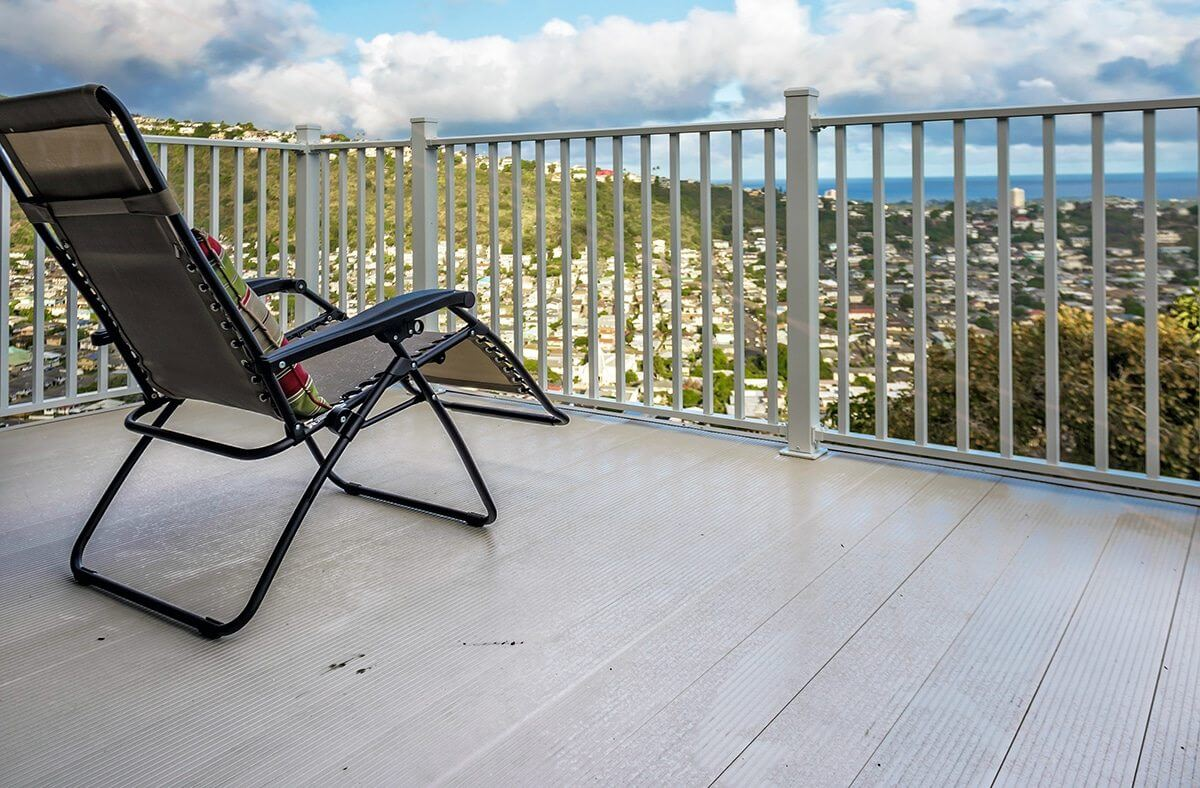 AridDek aluminum decking on deck in Hawaii