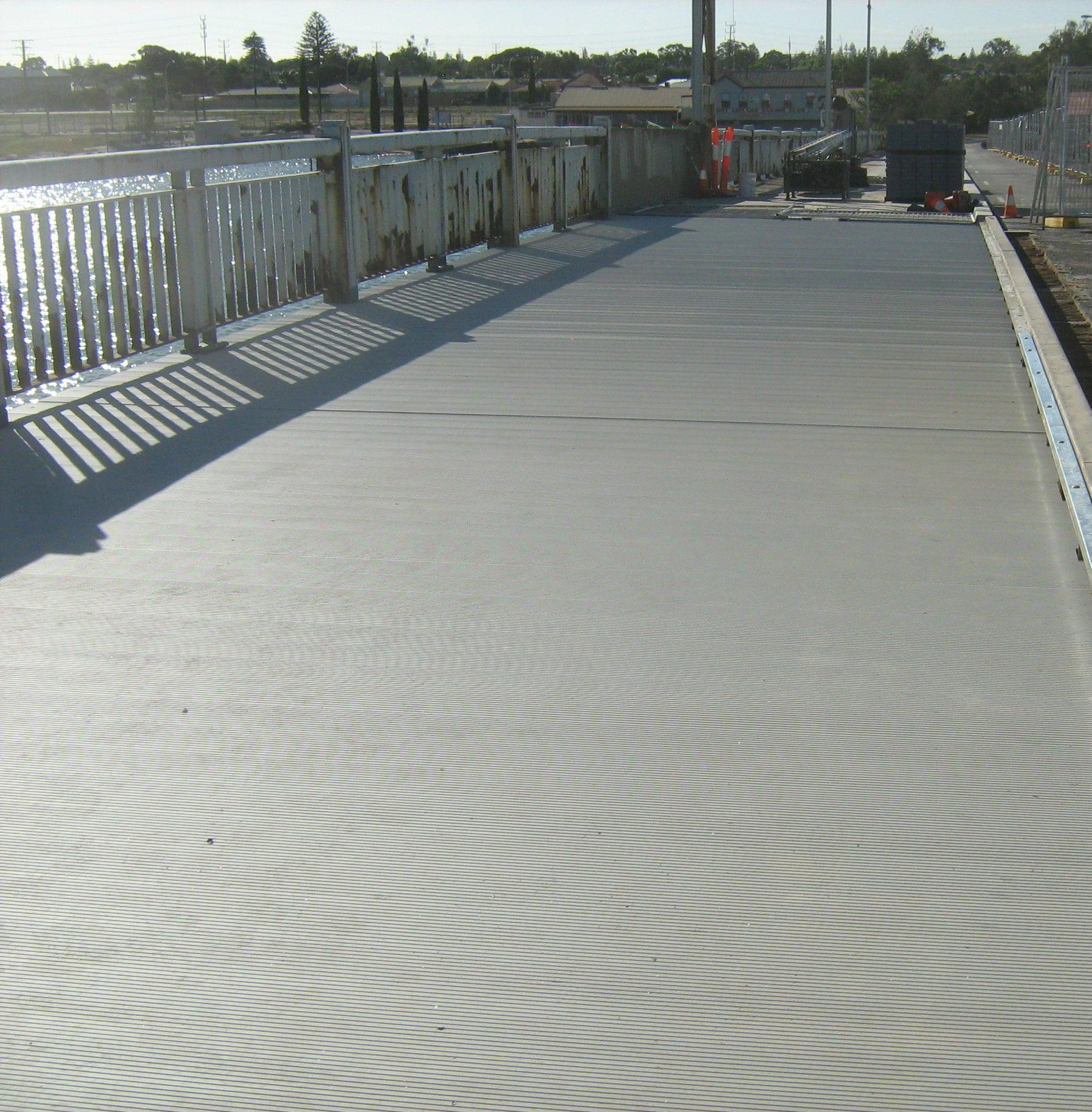 Aluminum decking surface low maintenance decking wahoo for Aluminum flooring