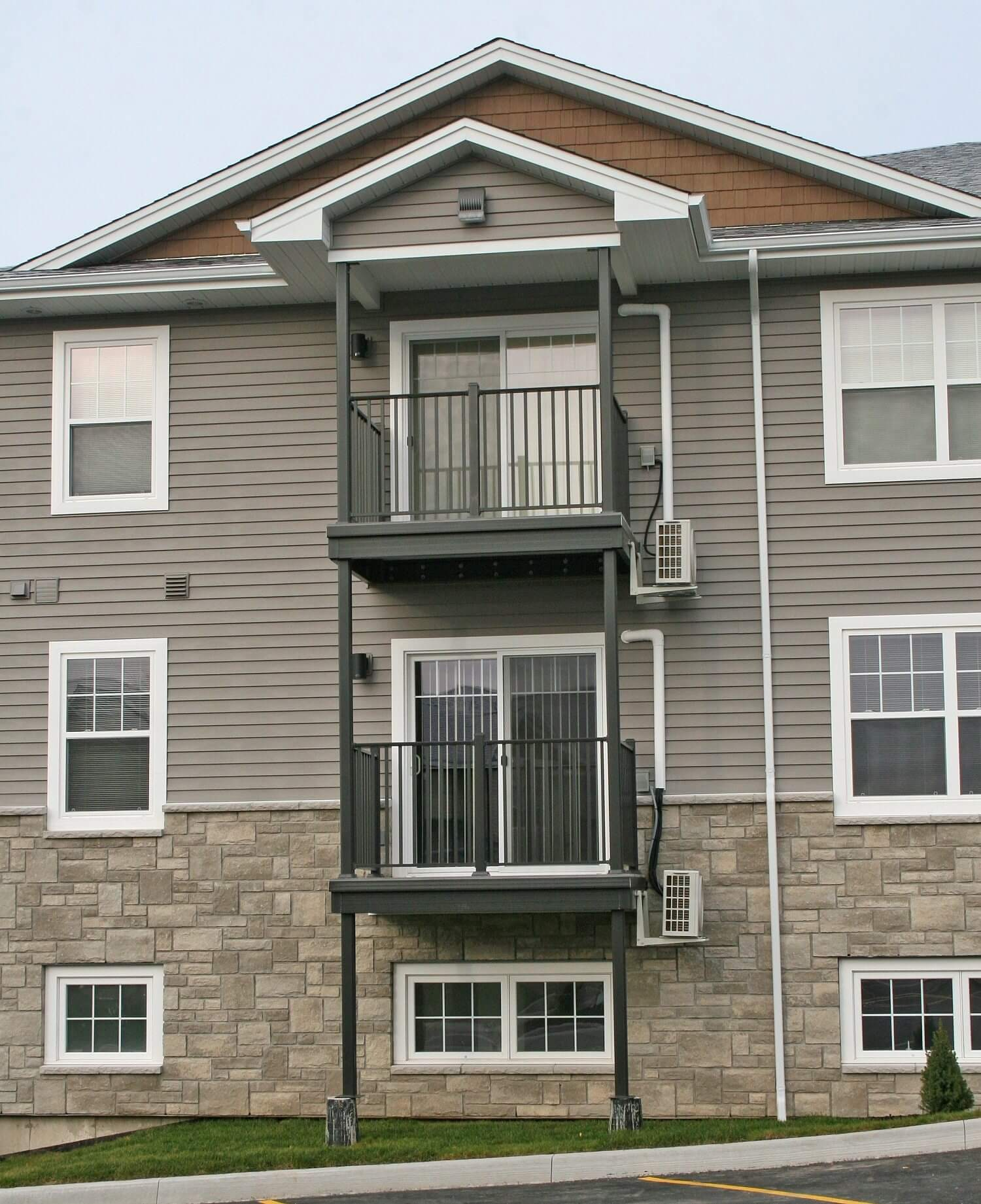 multifamily balcony and deck rail systems - Wahoo Complete