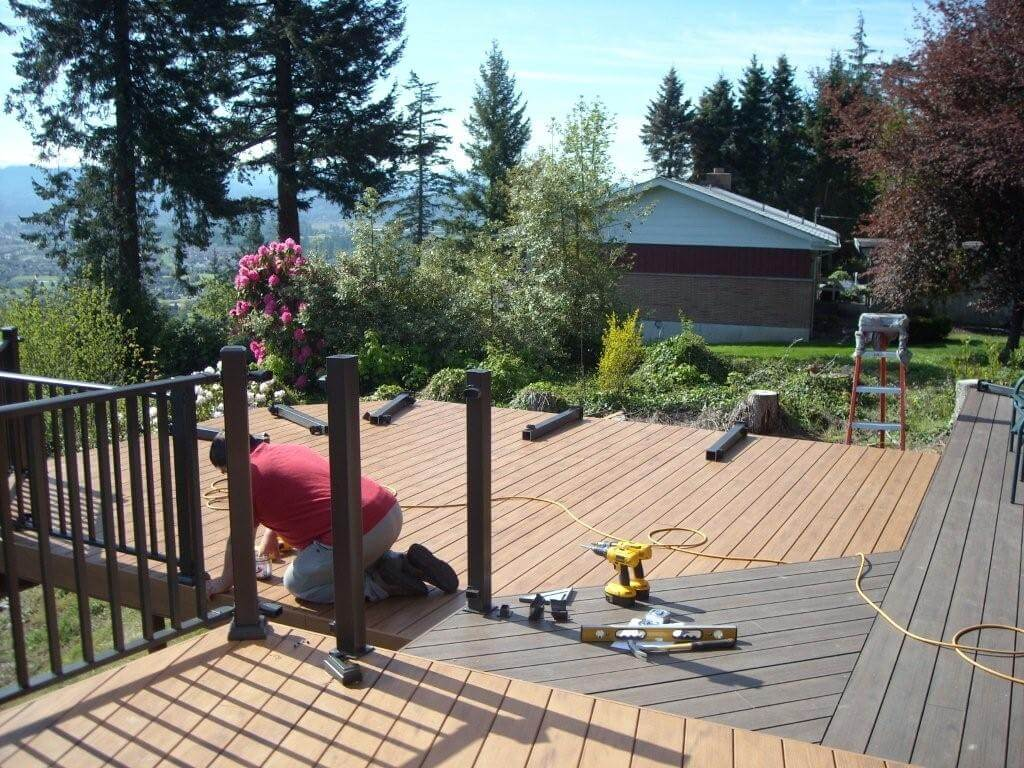 What is the Best Season to Build a Deck? | Wahoo Decks Aluminum Decking & Deck Railing