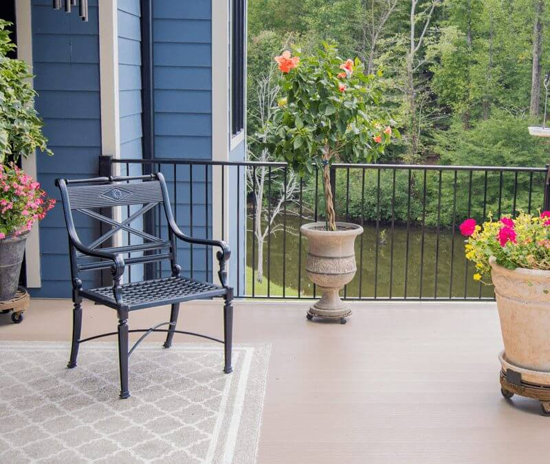 Why Should I Use Aluminum Decking For My Outdoor Living Space?